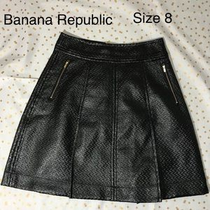Banana Republic faux leather skirt